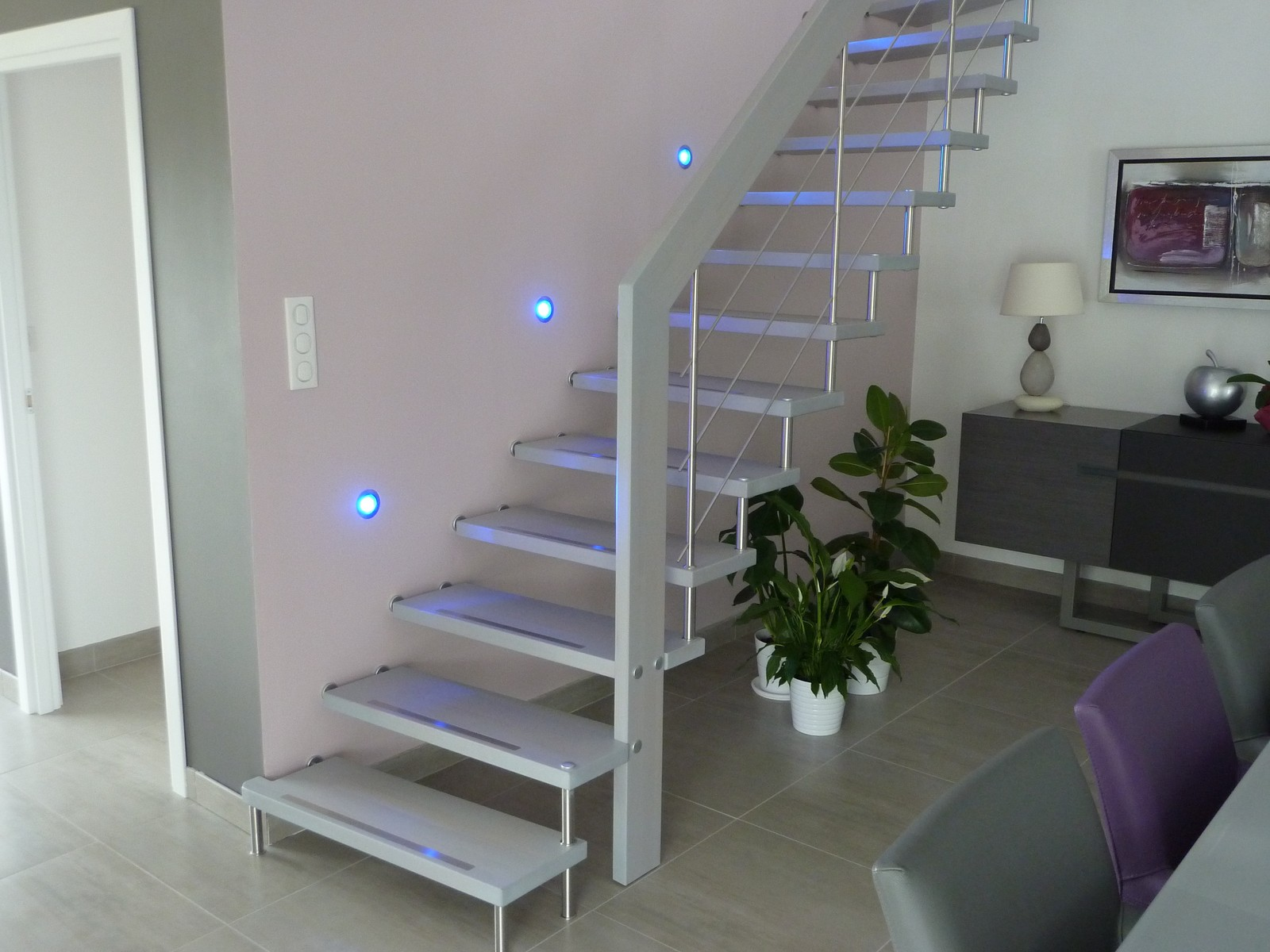 pin escalier suspendu quart tournant a bastingage laque. Black Bedroom Furniture Sets. Home Design Ideas