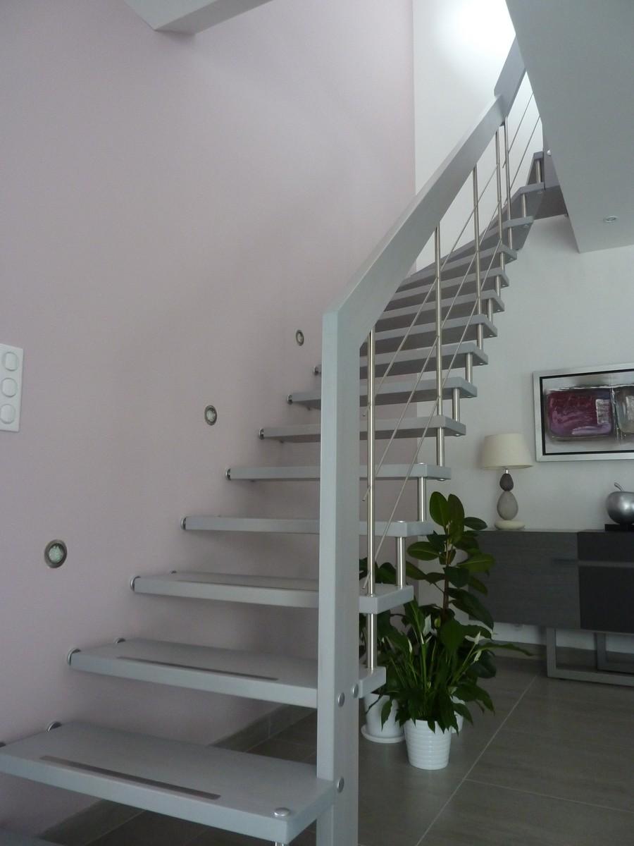 r alisations d 39 escaliers bouches du rh ne 13 le var 83. Black Bedroom Furniture Sets. Home Design Ideas