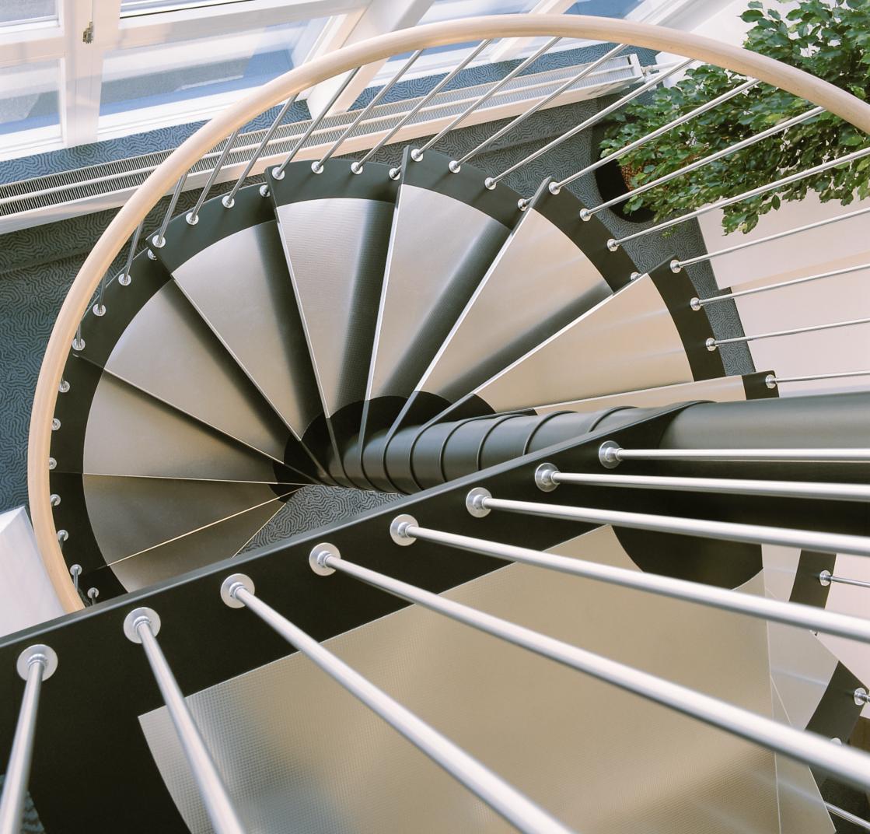 escaliers helicoidaux colimacon et escaliers courbes. Black Bedroom Furniture Sets. Home Design Ideas