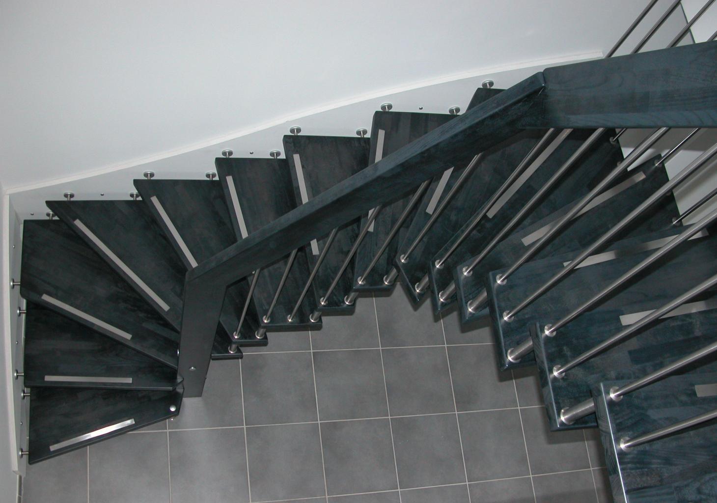 Escalier suspendu for Escalier bois double quart tournant